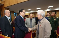 Party chief, President meets Hanoi voters