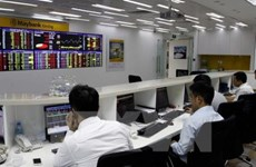 VN-Index dragged down by banking stocks