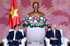NA Vice Chairman receives Lao Justice Minister