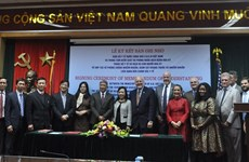 Vietnam, US boost cooperation in infection, drug resistance prevention