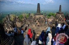 Indonesia strives to become world's best halal tourism country