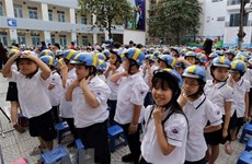Programme encourages children to wear helmets