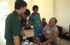 Ten foreign sailors rescued in Con Dao waters