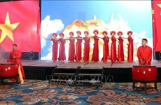 Vietnam – China friendship gala night runs in HCM City