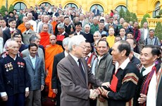 Party, State leader receives outstanding ethnic minority figures