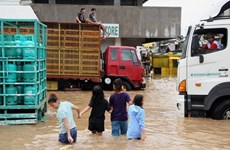 Death toll from storm, landslides in Philippines surges to 122