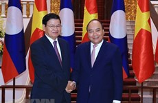 Lao PM arrives in Vietnam for meeting of inter-governmental committee