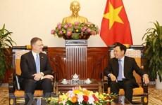 Deputy PM Pham Binh Minh receives US ambassador