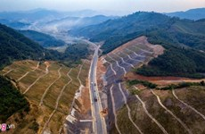 Pre-feasibility study for Hoa Binh-Moc Chau expressway requested