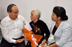 HCM City brings warm Tet to policy beneficiaries, poor people