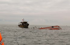 Team set up to salvage sunken fishing ship offshore Ba Ria-Vung Tau