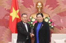 NA Vice Chairwoman receives Lao news agency delegation