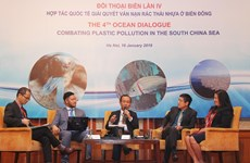 Regional dialogue discusses measures to reduce plastic waste in East Sea