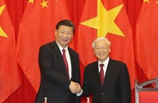 Leaders of Vietnam, China exchange greetings on diplomatic ties anniversary