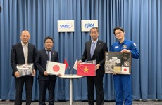 Vietnam receives objects from Japan for display at space museum