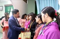 Deputy PM pays pre-Tet visit to Nam Dinh province