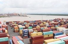 Vietnam records 1 billion USD trade deficit in first half of Jan