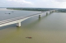 Hung Ha bridge connecting Hung Yen, Ha Nam to open on Jan 26
