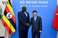 Diplomatic officials seek measures to boost Vietnam-Uganda ties