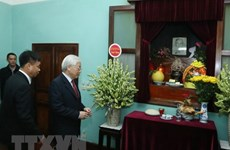 Party chief pays tributes to President Ho Chi Minh ahead of Tet