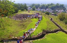 Relic, tourist sites in Dien Bien, Dak Lak crowded during holiday
