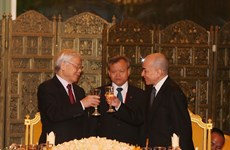 Cambodian King hosts state banquet for Vietnamese leader