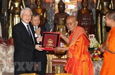 Vietnamese leader hails Cambodian Buddhists' contributions to relations