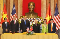 Vietnam, US sign cooperation agreements worth 21 billion USD