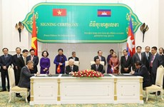 Vietnam Airlines, Cambodia's Tourism Ministry ink cooperation deal