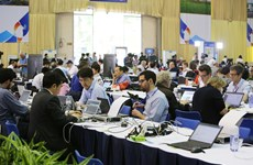 Media in race for latest news on DPRK-USA Hanoi Summit