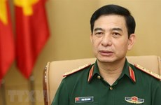 Vietnam's senior military officers visit Singapore