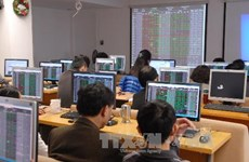 Vietnamese shares gain on large-cap stocks