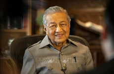 Malaysian PM visits Philippines to boost bilateral ties