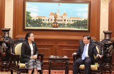 HCM City leader receives new Lao Consul General