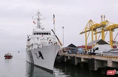 Indian coast guard ship visits Da Nang