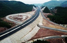 Construction of Van Don-Mong Cai Expressway starts