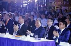 Vietnamese, Dutch PMs attend sustainable fashion show
