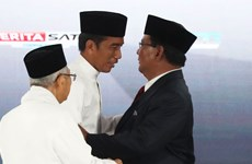 Indonesian presidential candidates join final debate