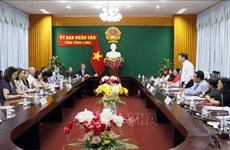 US legislative assistants visit Vinh Long province