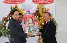 Front leader extends Easter greetings to Phan Thiet Diocese