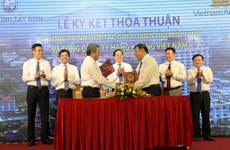 Vietnam Airlines serves Tay Ninh's products on its flights
