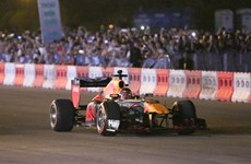 Formula One legend hits Hanoi streets