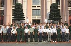 Chinese veterans, martyrs' relatives visit Vietnam