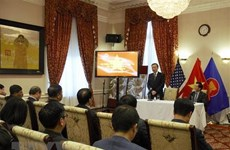 Public Security Minister meets Vietnam embassy staff in US