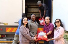 Vietnam sends relief aid to Zimbabwe cyclone victims
