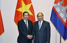 Prime Minister receives Lao, Cambodian guests