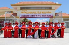 Deputy PM inaugurates secondary school in Long An