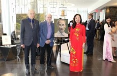 Canadian artists show respect for President Ho Chi Minh via paintings