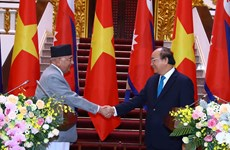 Nepalese PM concludes official visit to Vietnam