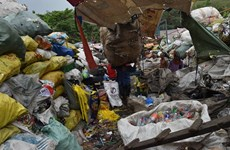 Philippines tough in garbage dispute with Canada